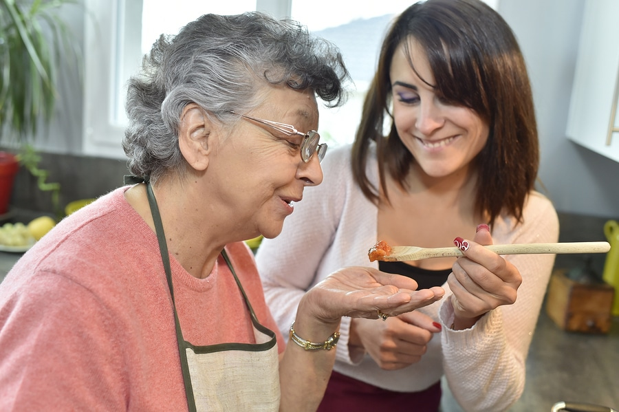 Senior Care in Buford GA: Helping Your Senior Feel Involved and Important During Thanksgiving